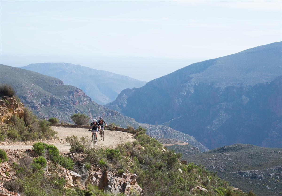 The 2017 Momentum Health Cape Pioneer Trek, presented by Biogen will return to the iconic climb up the Swartberg Pass, with a mountain-top finish on Stage 6. Photo credit: www.zcmc.co.za