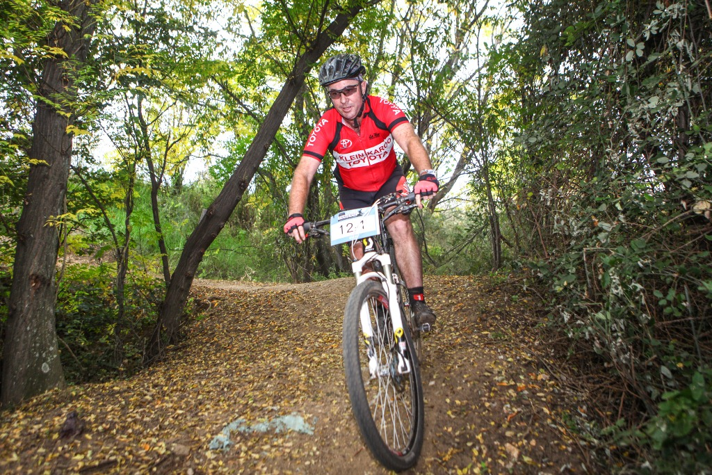 While the Glacier Storms River Traverse is short on singletrack the Glacier Cradle Traverse is packed with flowing trails. Photo by Oakpics.com.